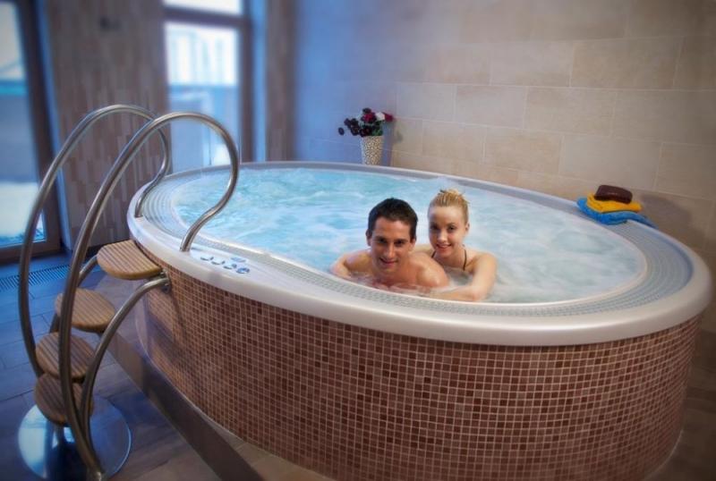 whirlpool masazni bazen prostostojeci vgradni remax (4)