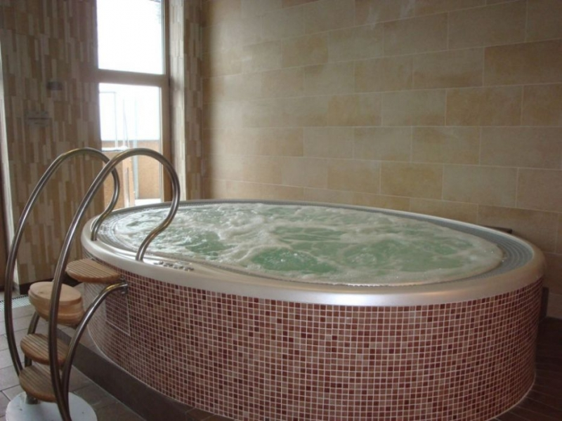 masazni bazen prelivni vgradni skimer remax (4)