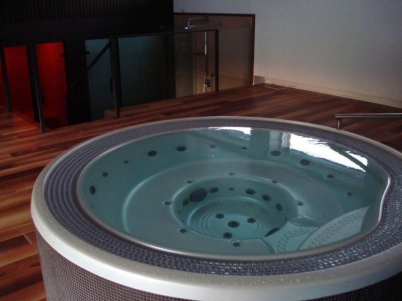 masazni bazen prelivni vgradni skimer remax (5)